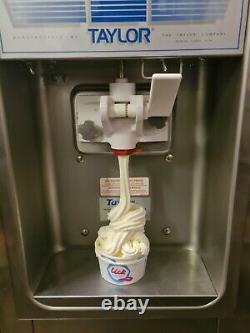 TAYLOR 152 COUNTERTOP FROZEN YOGHURT / ICE CREAM MACHINE, 2015 Normal 3 Pin Plug